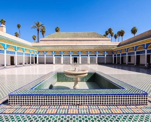 Grande cour du Palais de la Bahia à Marrakech au Maroc