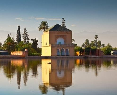 Le jardin Ménara avec son lac artificiel à Marrakech au Maroc
