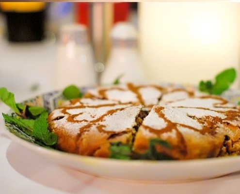 Pastilla marocaine dans un Riad à Marrakech au Maroc